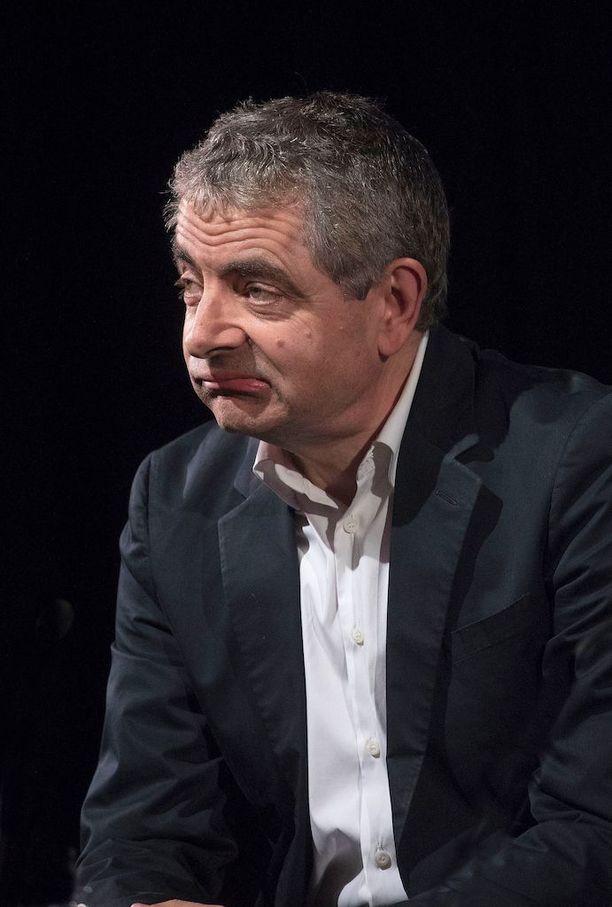 Rowan Atkinson ei halua enää olla Mr. Bean, mutta vanhat eleet ja ilmeet nousevat näyttelijän kasvoille yhä kuin luonnostaan.