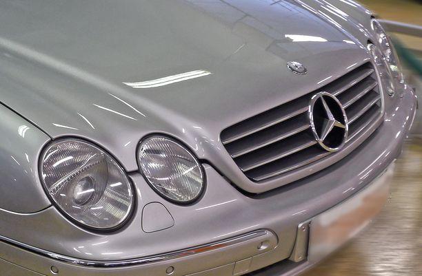 Mercedes kajastelee nyt tehdyn kyselyn perusteella useimpien haaveissa, kun käytettyä autoa mietitään.