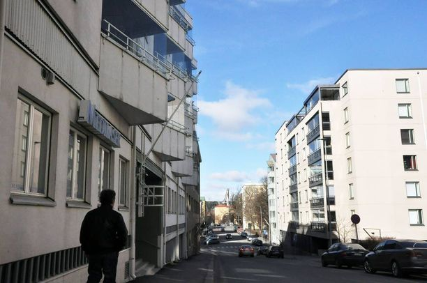 Vanhus asui arvokkaasti sisustetussa huoneistossaan Lahden keskustassa.