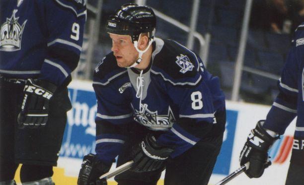 Karalahti ehti pelata 149 NHL-ottelua, joista suurimman osan Los Angeles Kingsissä.