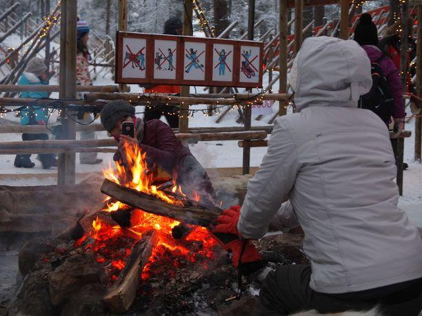 Paukkupakkaset eivät lannistaneen turisteja, sillä kylmyys on monelle osa eksoottista kokemusta.