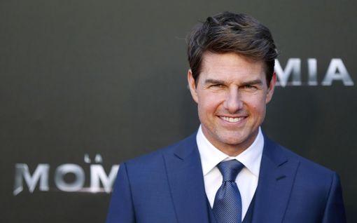 Golden Globes -gaalan asema horjuu – televisiointiin tauko, studiot ja suoratoistopalvelut hylkäsivät, Tom Cruise palautti palkintonsa