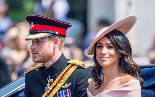 Harry ja Meghan julistavat taloudellista itsenäisyyttä, mutta luopuvat vain minimaalisesta summasta – jatkossakin 95 prosenttia tuloista Charlesilta