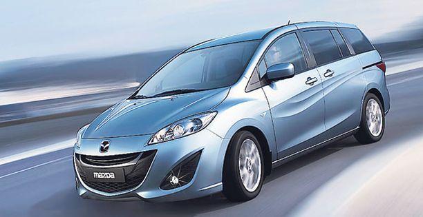 VAUHDIKAS Kynä on lentänyt vauhdilla Mazdan uutta tila-autoa piirrettäessä.