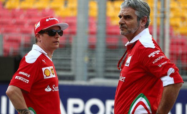 Kimi Räikkönen ja Maurizio Arrivabene valmistautuvat helteiseen kisaan.