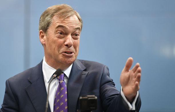 Farage erosi UKIP:in johdosta, kun brexit-kansanäänestyksen tulos selvisi. Hän kertoi silloin, että hänen työnsä on tehty.