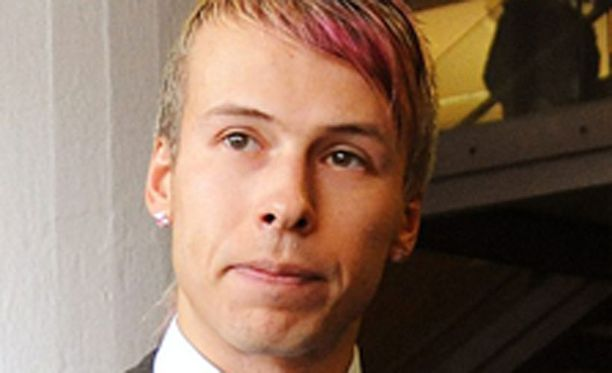 Antti Kurhinen aikoo tehdä rikosilmoituksen Jussi Parviaisesta.