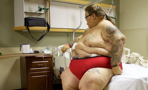 Lee saa kesken laihdutuksen komplikaatioita. Myös Rena kohtaa vastoinkäymisiä.
