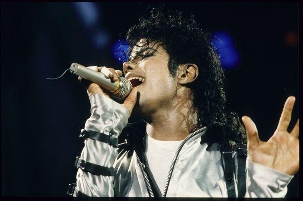 Michael Jackson esiintymässä vuonna 1988.