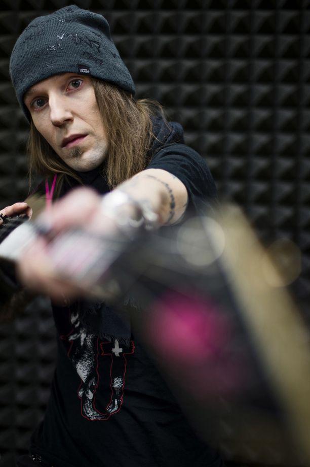Alexi Laihosta tuli kansainvälistä mainetta niittänyt kitaristi.