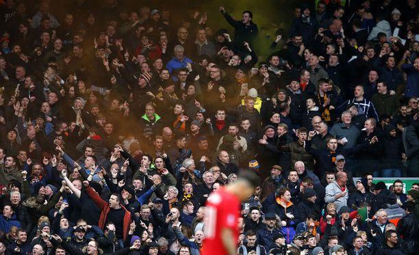 Wolvesin kannattajilla riitti juhlittavaa Liverpoolin kotistadionilla Anfieldilla.