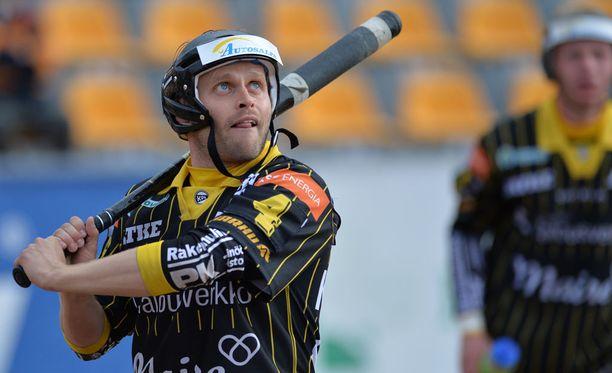 Matti Latvala sivalsi upealla koukkunäpillä voiton Kouvolalle.