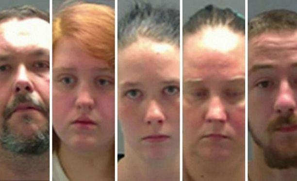 Nelihenkinen perhe ja yksi ulkopuolinen on nyt syytteessä.