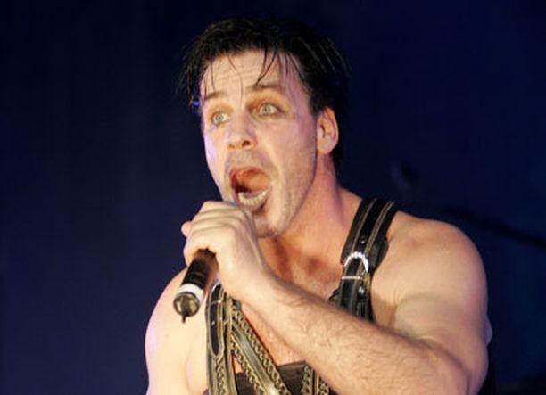 Rammsteinin helmikuun keikan liput menivät hetkessä. Kuvassa laulaja Till Lindemann.