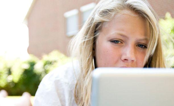Minkä ikäisenä blogiharrastus on mielestäsi sopiva aloittaa?