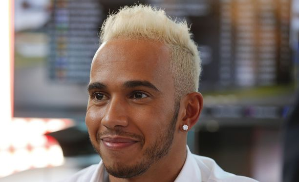 Lewis Hamilton vieraili Milanon messuilla.