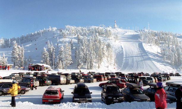 Tungosta parkkipaikalla talvella 2000.