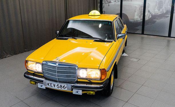 W123-mallisia E-sarjan Mercedes-Benzejä on kutsuttu jopa maailman kestävimmiksi autoiksi.