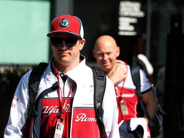 Kimi Räikkönen harmitteli, että Australian GP:n aika-ajoissa olisi ollut mahdollisuudet nähtyä parempaankin suoritukseen, mutta irtosipa mieheltä lauantaina pieni hymykin.
