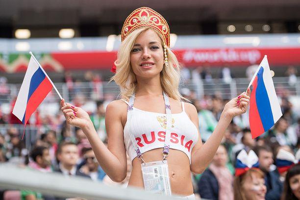 Fani Venäjän ja Saudi-Arabian välisessä ottelussa.