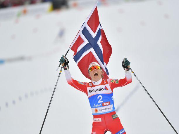 Therese Johaug oli Seefeldin MM-kisojen ylivoimainen hiihtokuningatar.