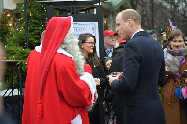 Prinssi vietti tovin joulupukin seurassa.