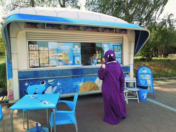 Möröllekin maistuu kesällä jäätelö.
