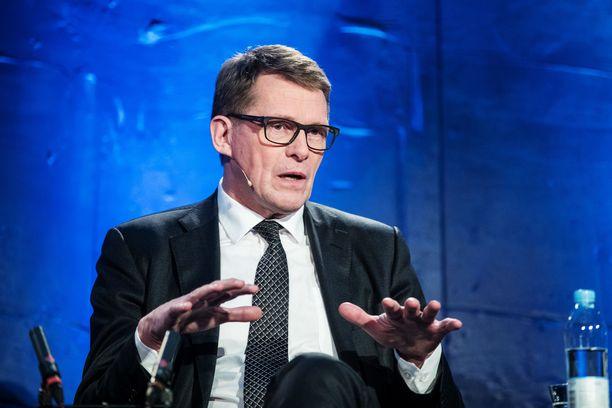 Eduskunnan puhemies Matti Vanhanen ei halua Suomeen koronanyrkkiä.