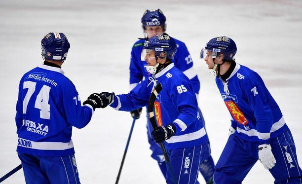 Pronssipeli oli Suomen juhlaa.