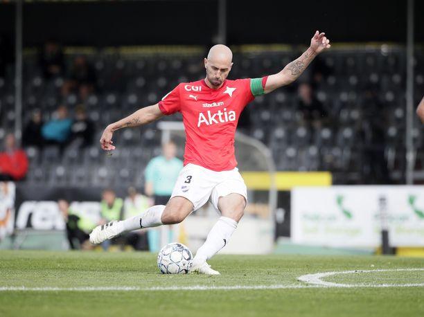 HIFK:n Sakari Mattila upotti vaparin Espoossa.