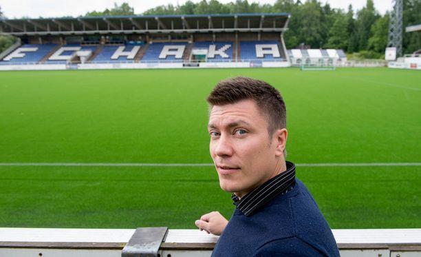 FC Haka Oy:n puheenjohtaja Marko Laaksonen tietää, millaista on kantaa vanhojen velkojen taakkaa.