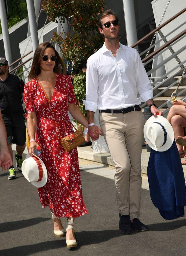 Pippa ja James Matthews ovat olleet naimisissa vuoden.