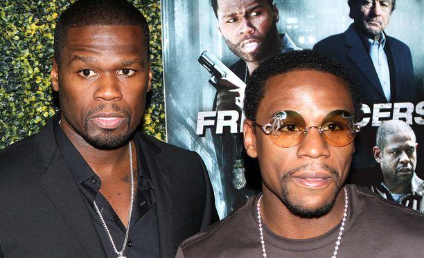 Myös Floyd Mayweatherin (oik.) ja 50 Centin välit ovat olleet poikki, mutta tällä hetkellä he ovat taas kavereita.