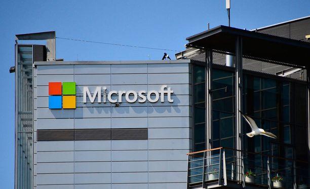 Vuoden suurin irtisanomistarve löytyy Microsoftilta, joka on ilmoittanut vähentävänsä koko Suomen henkilöstön, eli 1 350 työntekijää.