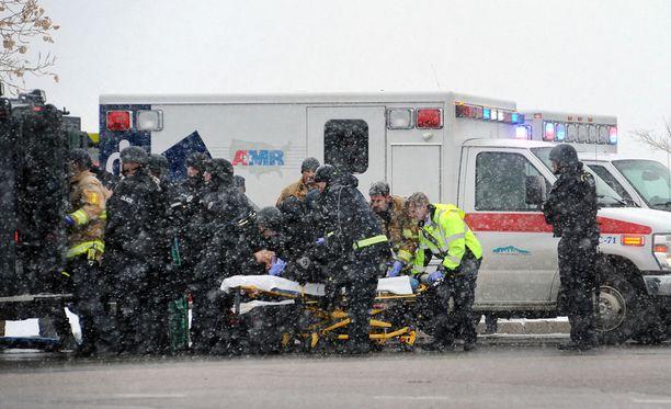 Ampujan kohteeksi joutunut klinikka kuluu Planned Parenthood -järjestölle, joka tarjoaa muun muassa raskaudenkeskeytyksiä ja seksuaalivalistusta.