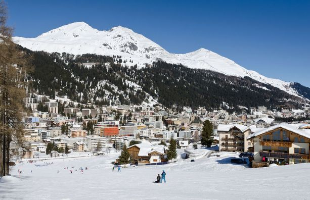 Davosiin on yhä tarjolla hiihtolomamatkoja.
