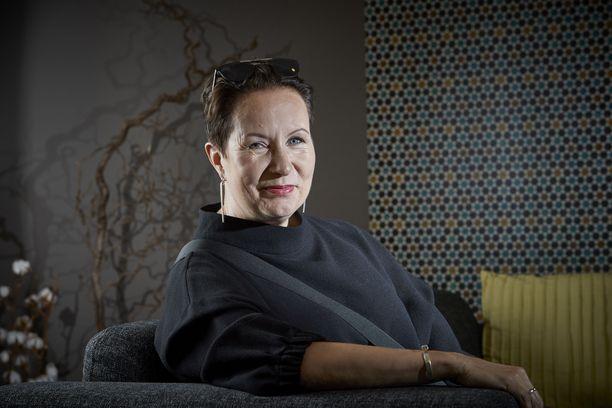 Suvi-Anne Siimeksen mukaan Nato-jäsenyys toisi Suomelle