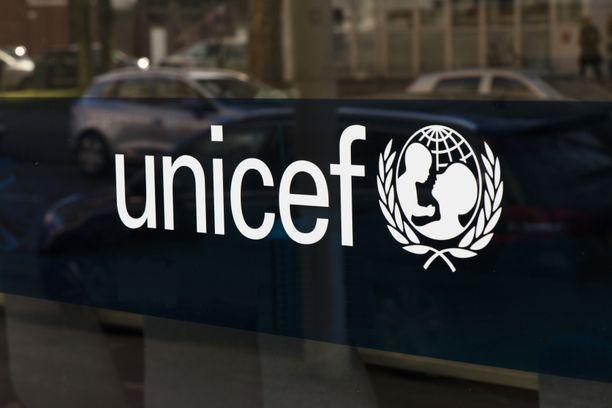 Suomen Unicef ohjeistaa ilmoittamaan huijareista suoraan poliisille.