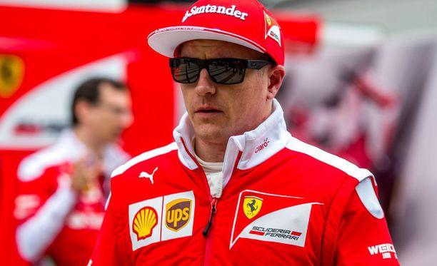 Kimi Räikkönen valittiin maailman sadan kuuluisimman urheilijan joukkoon. ESPN:n kuvaus Räikkösestä ei ole ehtinyt päivittyä perheenisävuosiin.