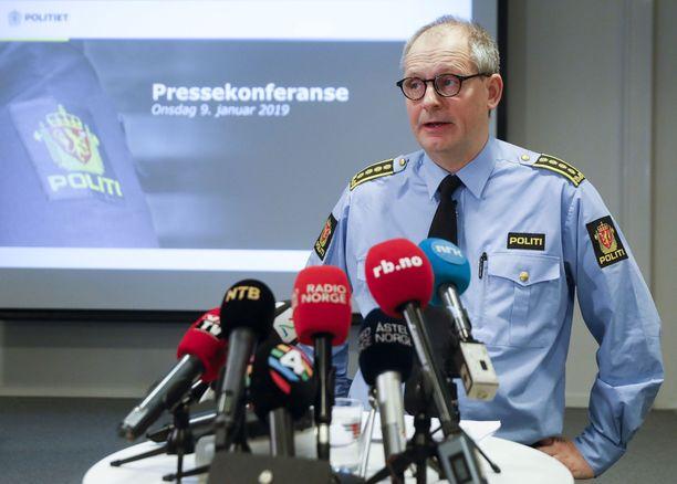 Poliisitarkastaja Tommy Broske kertoi tutkinnan etenemisestä.