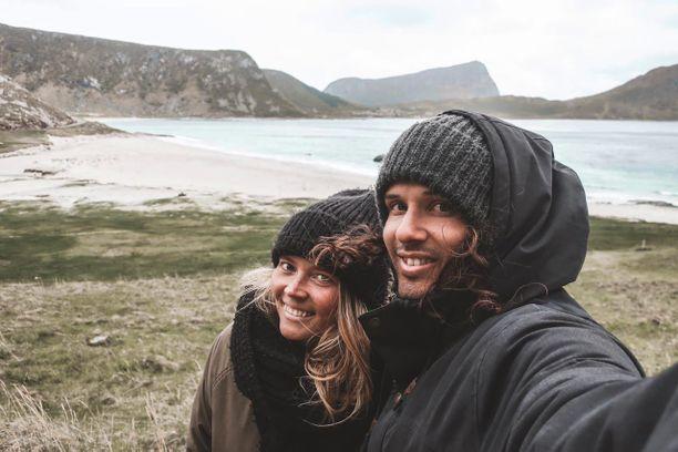 Maijun ja Nassen unelma irtiotosta on vihdoinkin totta. Retkeilyautoon muuttaneen pariskunnan tuleva vuosi tulee kulumaan Euroopassa seikkaillen.