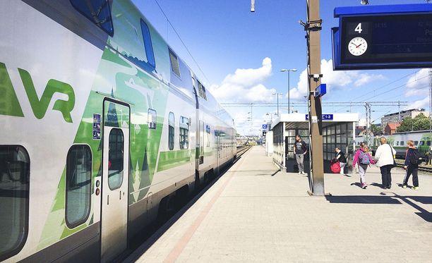 Tulevaisuudentutkija povaa, että junalla pääsee matkustamaan Suomen halki Jäämeren rantaan hyvinkin pian.