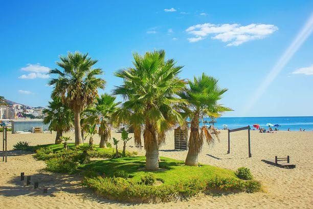 Fuengirolassa riittää pitkiä ja hienohiekkaisia rantoja.