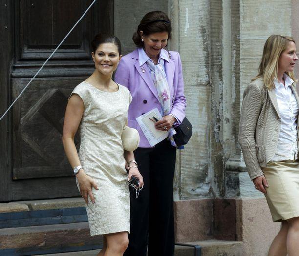 Victoria ja Silvia poistuivat viimeisinä kirkosta.
