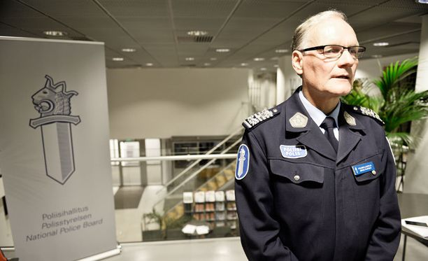 Poliisiylijohtaja Mikko Paateron mukaan epäiltyjen rekisterin avulla on pystytty selvittämään ja ennalta ehkäisemään useita rikoksia.