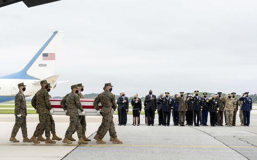 Yhdysvallat on poistunut Afganistanista – Mitä parinkymmenen vuoden operaatiosta jäi Suomelle käteen?
