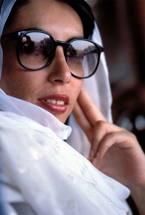 Bhuttosta tuli vuonna 1988 Pakistanin ensimmäinen naispääministeri.