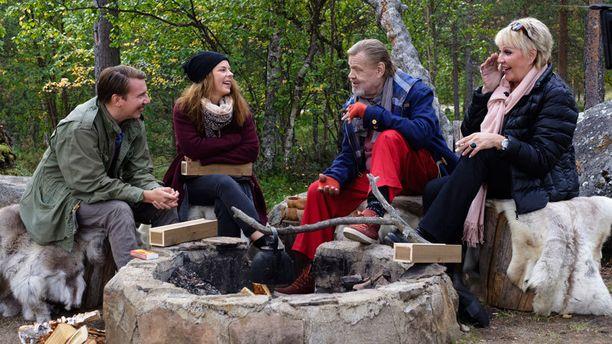 Seuraavassa jaksossa vieraina ovat näyttelijät Aku Hirviniemi, Armi Toivanen ja Hannele Lauri.