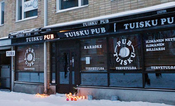 Pub Tuiskun omistaja kiistää, että surmista epäillyllä olisi ollut porttikielto pubiin.