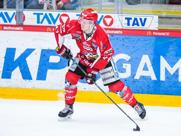 Aleksi Ainali maalasi Sportille kahdesti.